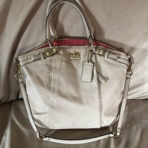 Coach Lindsey handbag in parchment white
